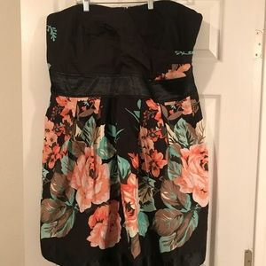 Torrid black Floral Strapless Dress Sz 22